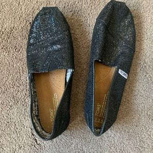 girls size 3.5Y Toms black sparkly slip on shoes